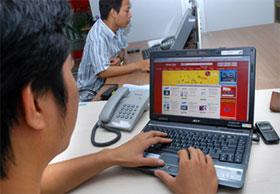 Các mặt hàng điện tử, điện máy vẫn được người tiêu dùng yên tâm hơn khi mua bán online bởi thông tin chi tiết, rõ ràng. (Ảnh: Thanh Hải)