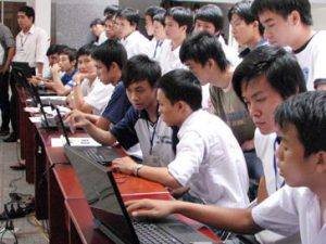 Cuộc thi kiến thức tin học dành cho sinh viên tại Festival Tin học 2009 Ảnh: HC